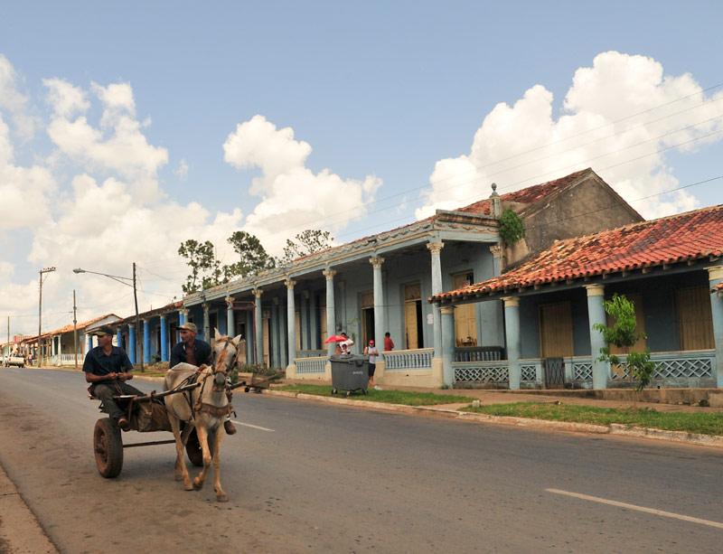 Vinales-street-scene