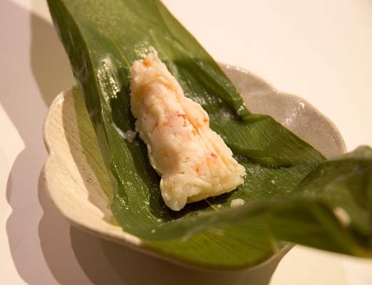 King_crab_sushi_opened