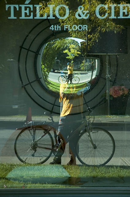 Self_portrait_with_bicycle_1