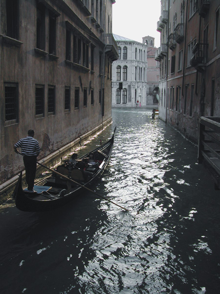 venice_with_godolier